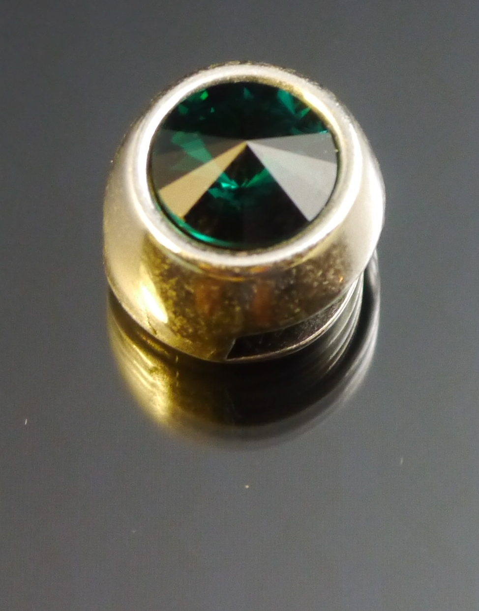 Zamak Slider 10mm x 3mm mit Swarovski Elements Stein Emerald