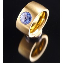 14mm PVD Gold Edelstahlring mit Swarovski Elements Fb. Light Sapphire
